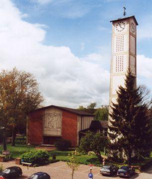 Evangelische Kirche (von vorne)